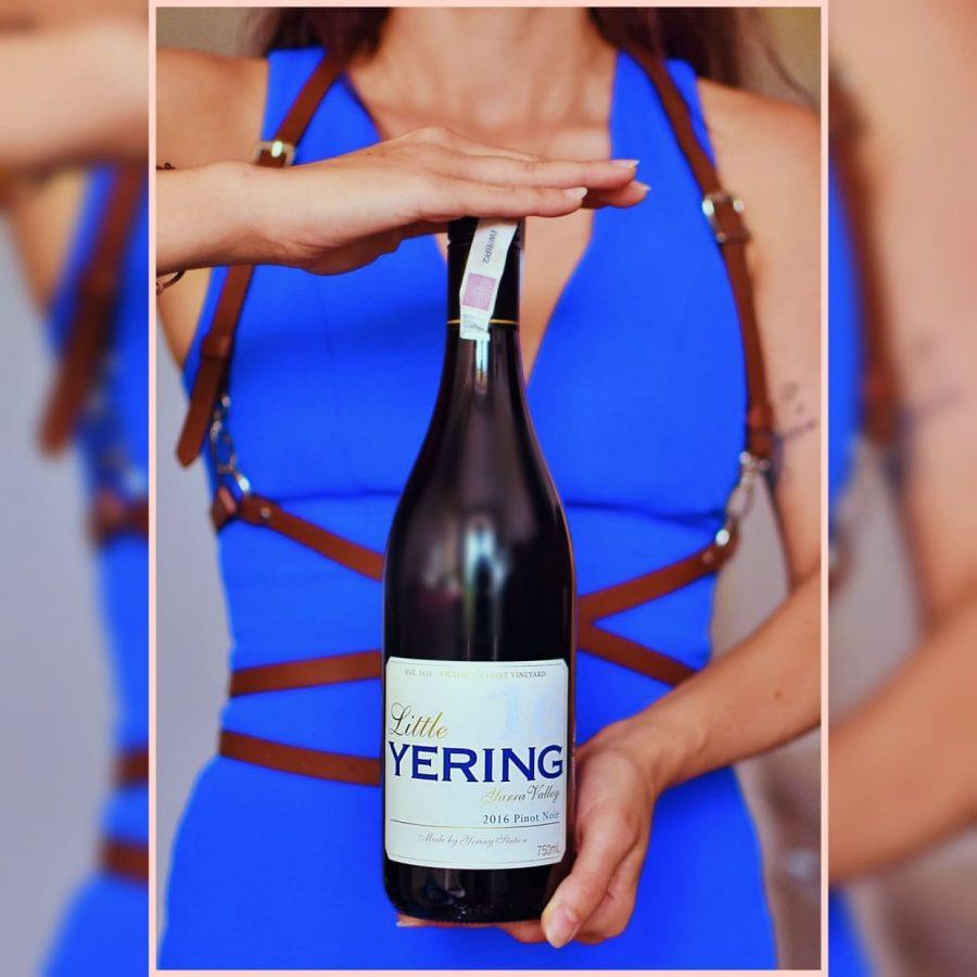 Asfalt winyle i wino - Little Yering