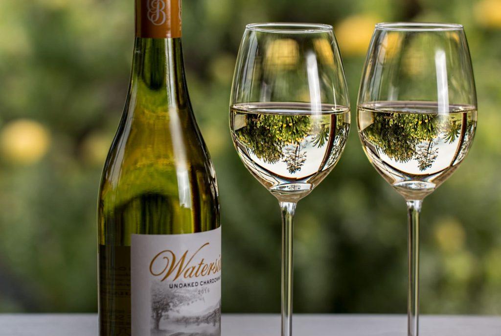 Wina świata, kieliszek wina