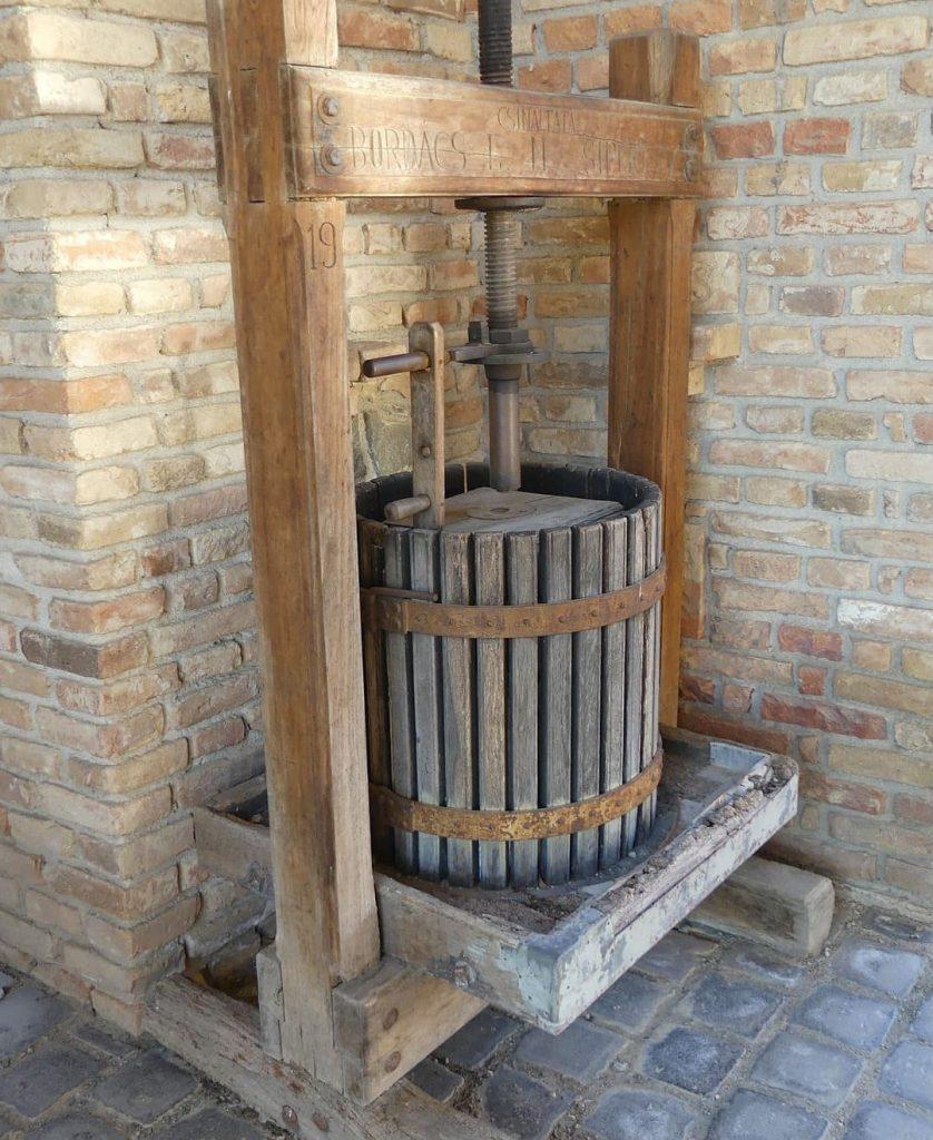 Prasa do wyciskania soku z winogron