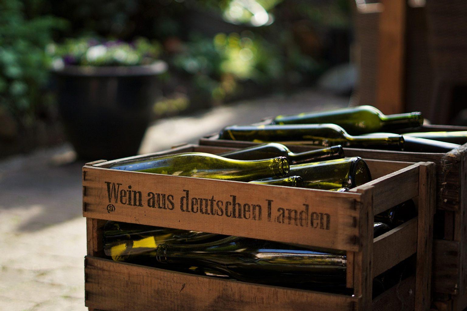 Skrzynki z winami niemieckimi