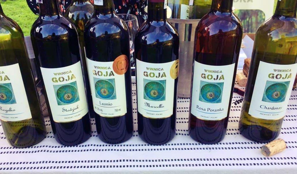 Winnica Goja butelki wina