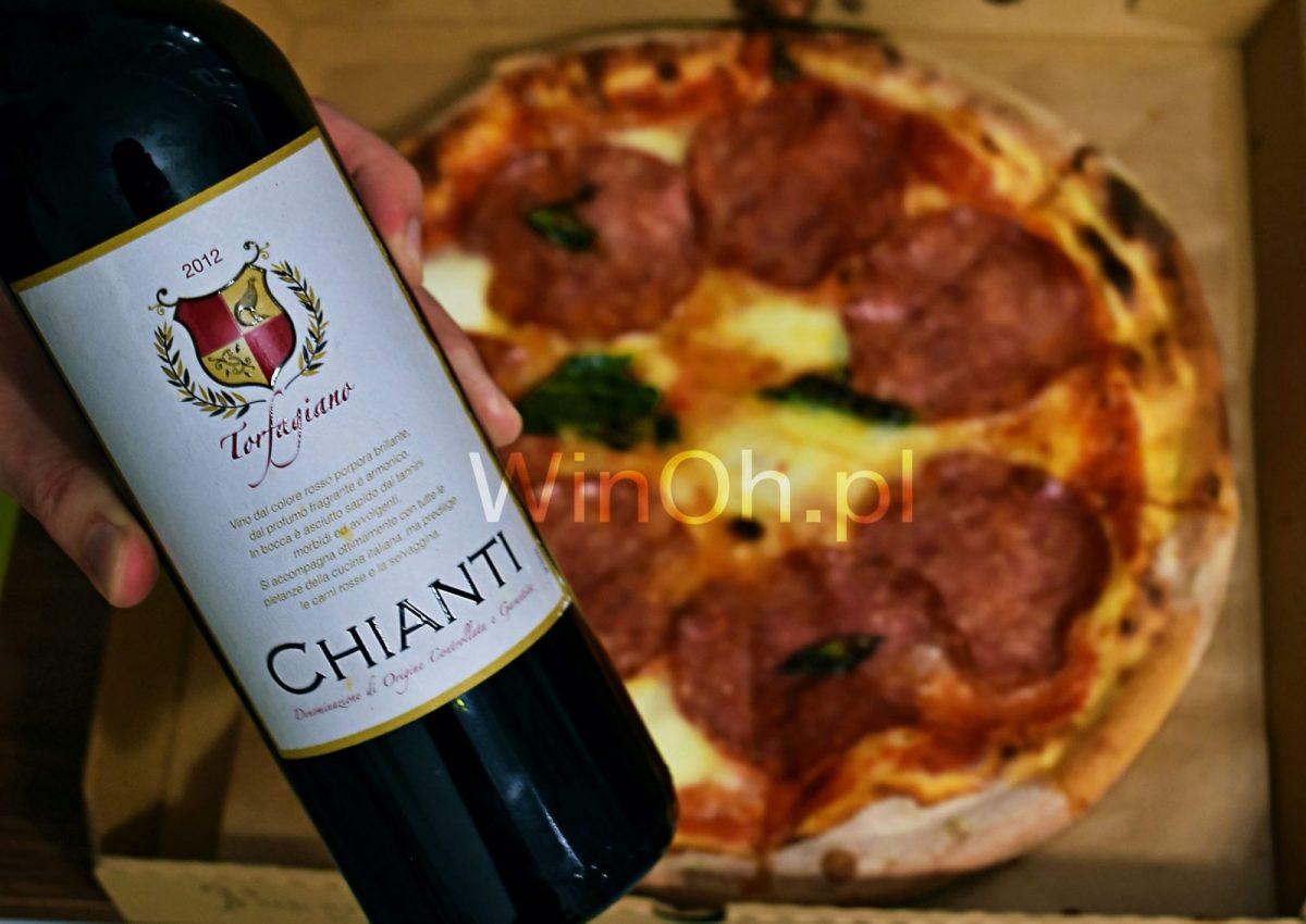 wino i jedzenie chianti i pizza
